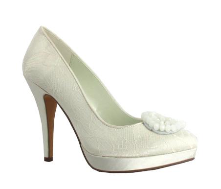 http://www.pacomena.eu/imagenes/coleccion/images/album2/zapatos-novia-1b.jpg