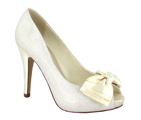 http://www.pacomena.eu/imagenes/coleccion/images/album2/zapatos-novia-2b.jpg