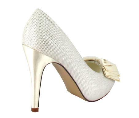 http://www.pacomena.eu/imagenes/coleccion/images/album2/zapatos-novia-2c.jpg