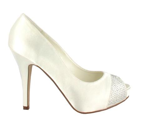 http://www.pacomena.eu/imagenes/coleccion/images/album2/zapatos-novia-4a.jpg