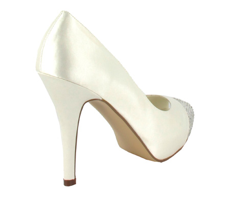 http://www.pacomena.eu/imagenes/coleccion/images/album2/zapatos-novia-4c.jpg