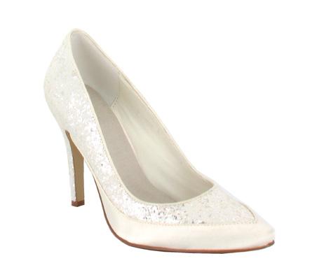 http://www.pacomena.eu/imagenes/coleccion/images/album2/zapatos-novia-6b.jpg