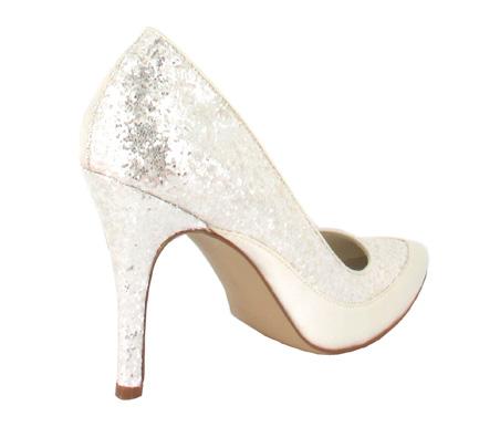 http://www.pacomena.eu/imagenes/coleccion/images/album2/zapatos-novia-6c.jpg